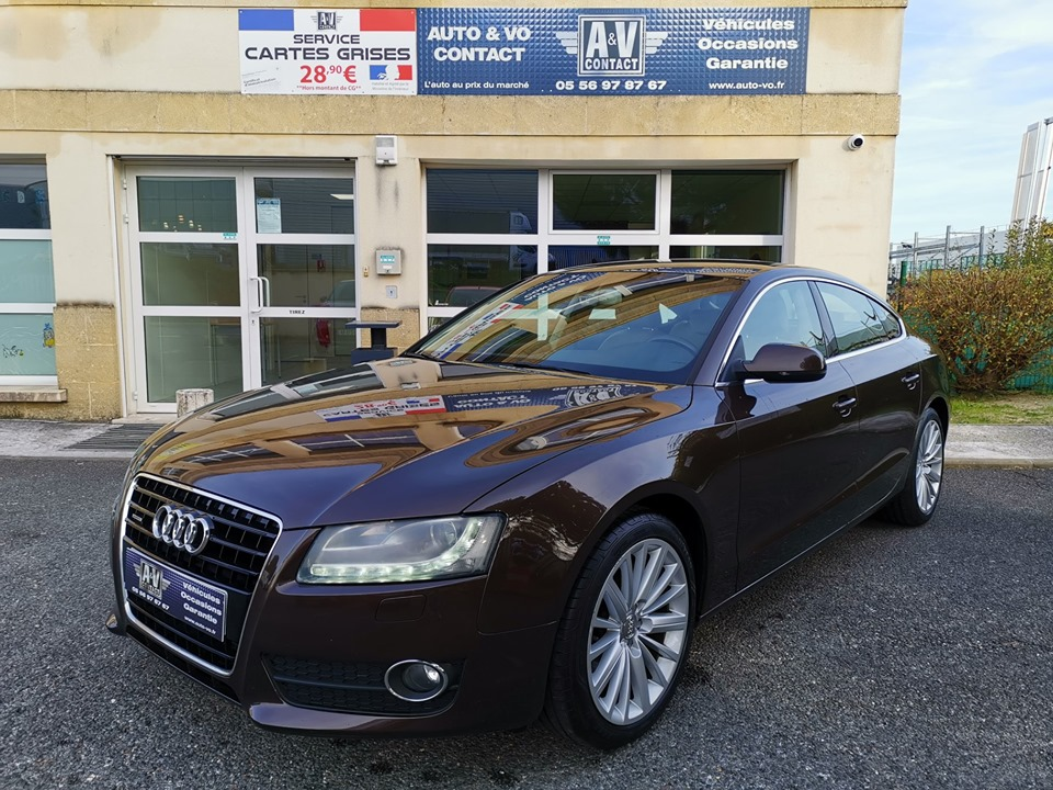 AUDI A5 SPORTBACK 3.0 V6 TDI 240 DPF AMBITION LUXE S TRONIC 7 Du 15.09.2011 – 160 550 kms – 12 990 €